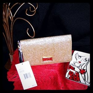 Another FABULOUS BETSEY WRISTLET  ❤